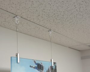 Yet Simple Way To Hang Objects